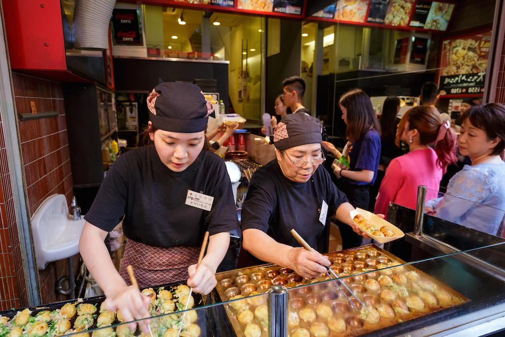 Okonomiyaki-Japan-Street-Food